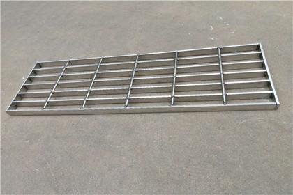 新疆踏步钢格栅板