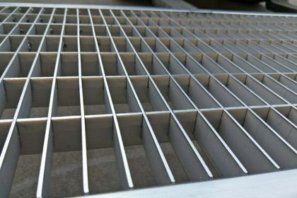 新疆不锈钢钢格栅板